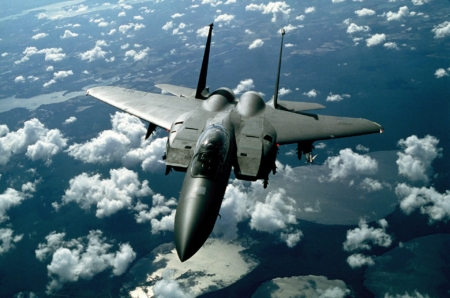 Picture of a military jet. Sara avMaat has ethical investment concerns about Canada Pension Plan, which invests in militarism and climate change